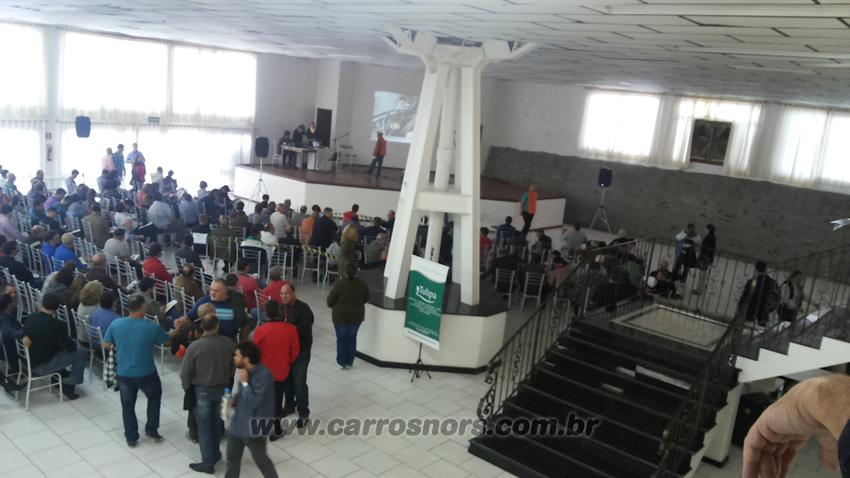 Público - Leilão de carros antigos Caxias do Sul