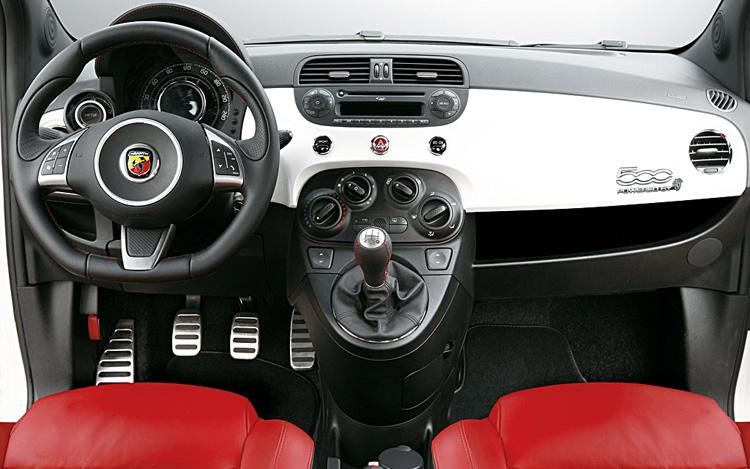 Interior Fiat 500 Abarth