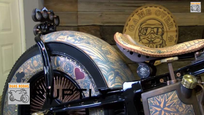 Primeira moto tatuada – Pintura de moto diferente