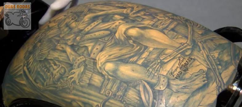 Moto tatuada - Tanque